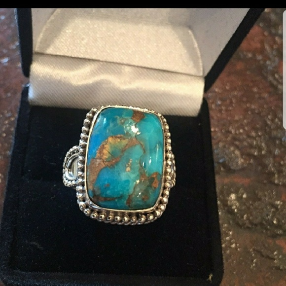 Jewelry - Flash sale!!  Beautiful Turquoise ring